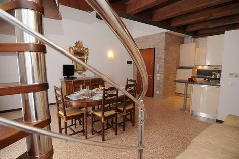 ID 1302 - Gorgeous 3br+2 bthr  apt with Canal View - Image 1 - Venice - rentals