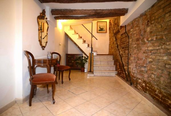 ID 423 Independent 3br duplex apartment in Venice - Image 1 - Venice - rentals