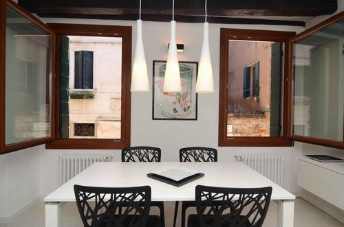 ID 2723 Renovated 2bdr apt - 5 min to S. Marco - Image 1 - Venice - rentals