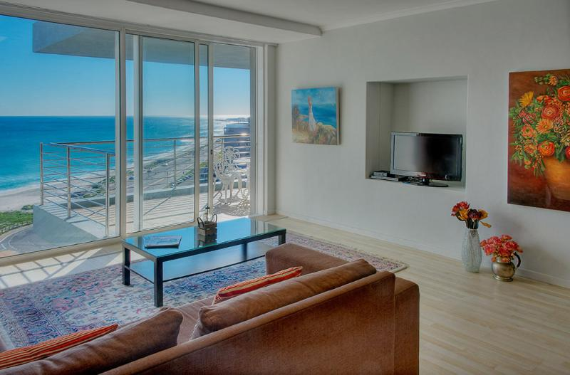 Lounge Area with View - Horizon Bay 2 bedroom Beachfront Apartment - Cape Town - rentals