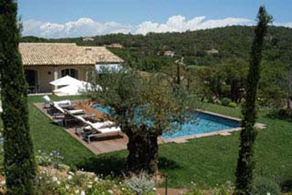 Rolling countryside views within 3500 square meters of Provencal gardens. AZR 356 - Image 1 - Le Plan-du-Var - rentals