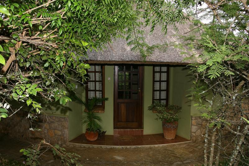 Lodge - GRANITE PARK LODGES self catering, resort setting - Bulawayo - rentals