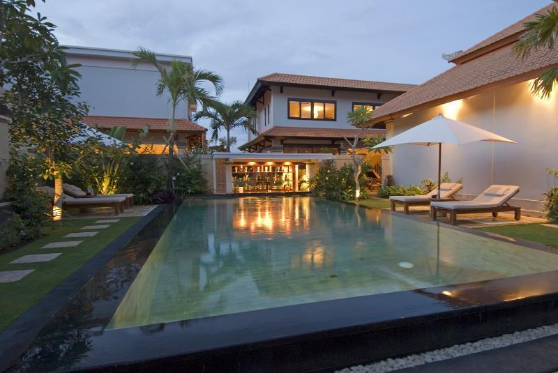 Hideaway villa in honeymoon resort - Image 1 - Ungasan - rentals