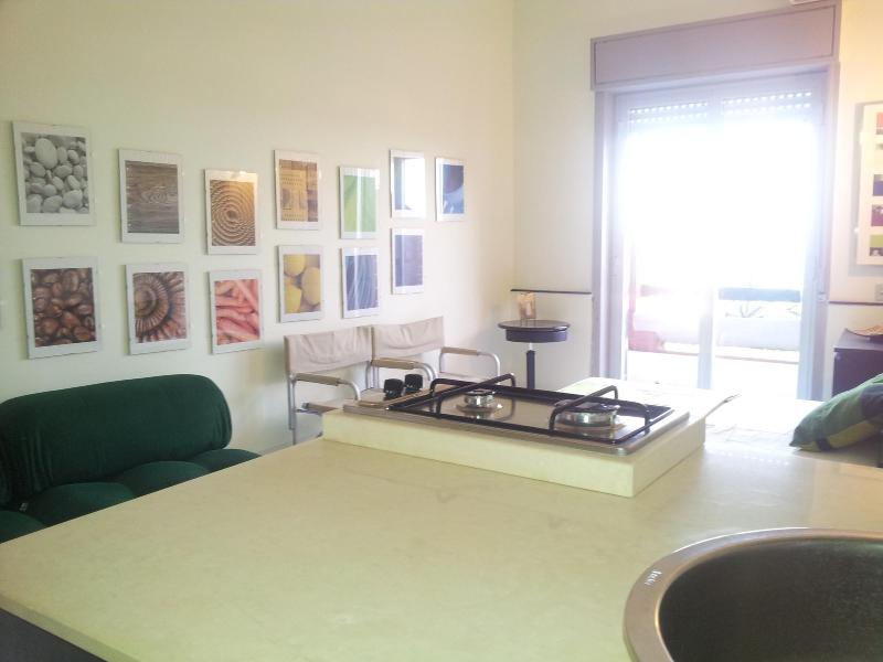 kitchenette - MANHATTAN DRY  - Sea Front Studio - Giardini Naxos - rentals