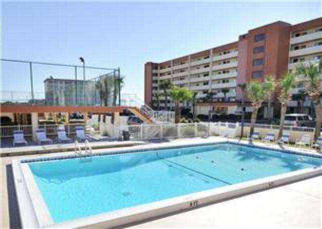 Large Gulf Front Ground Floor 2 Bedroom 2 Bath - Image 1 - Fort Walton Beach - rentals