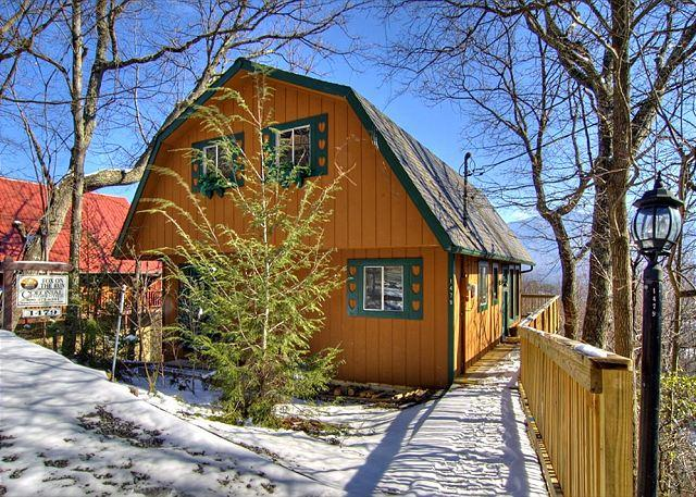 Cozy 2 Bedroom Cabin, Gatlinburg - Smoky Mountain Cabin Fox on the Run 278 - Gatlinburg - rentals
