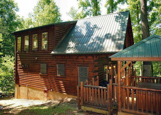 Smoky Mountian Vacation Cabin - Secluded Smoky Mountain Log Cabin Rental Between Pigeon Forge and Gatlinburg - Sevierville - rentals