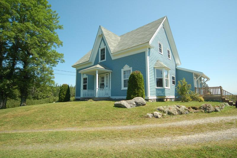 Traditional Nova Scotia architecture in an updated home with modern amenities - A Blue House Oceanfront Weekly Home Rental - Lockeport - rentals