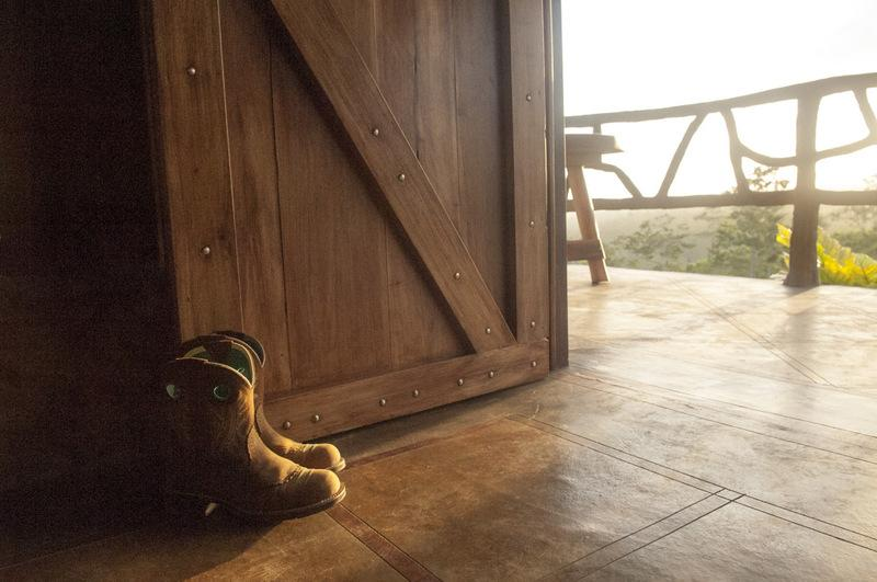 Welcome to Finca Tuete, take your boots off and stay a while. - Private Hacienda on Working Dairy Farm - La Fortuna de San Carlos - rentals