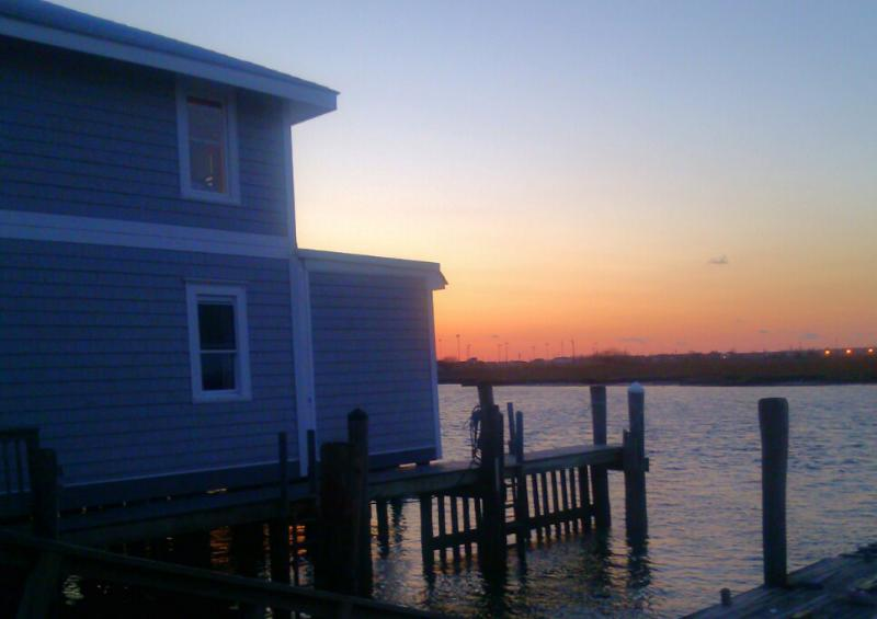 Sunsets from your oversized bayfront yard - Beautiful Bayside Living - Message me for  rates! - Ventnor City - rentals