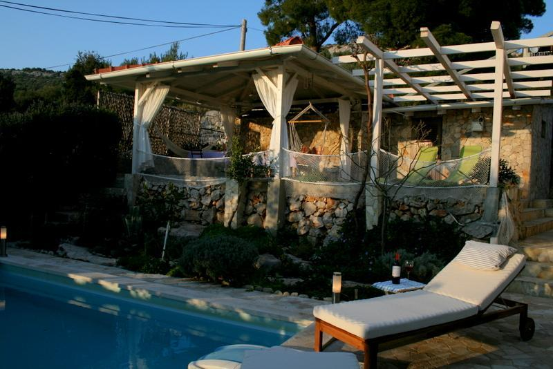 private patio for perfect relaxation: swimming pool, gazebo and summer kitchen - Apartment + pool, 30m from beach on a quiet island - Kaprije - rentals