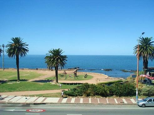 Font View - SHORT / LONG TERM RENTAL APARTMENT MONTEVIDEO POCITOS URUGUAY - OCEANFRONT - FULLY FURNISH - Montevideo - rentals