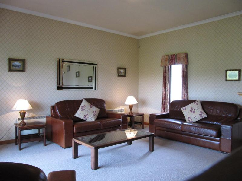 Lounge - 2 Bedroomed Family Villa, Located Near St Andrews - Letham - rentals