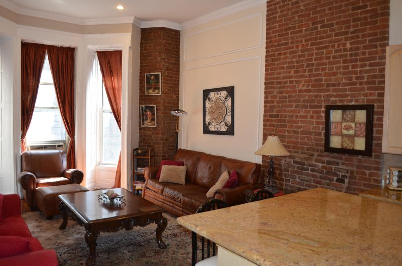 Livingroom - Brownstone Beauty - New York City - rentals