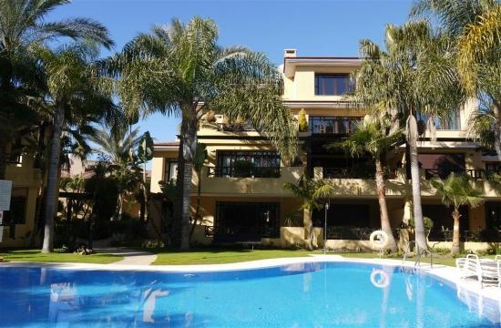Bahia de Banus 22504 - Image 1 - Marbella - rentals