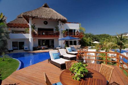 Beachfront Palma Azul - Vallarta Gardens Resort & Spa- pool & amenities - Image 1 - Puerto Vallarta - rentals