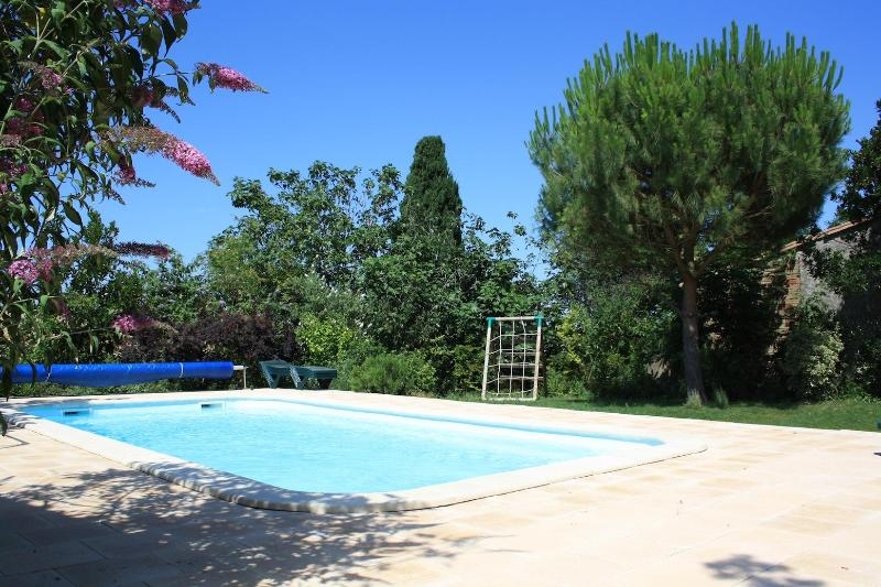 Heated Salt Water Pool & Gardens - Stunning peaceful village house in the vineyards - Brezilhac - rentals