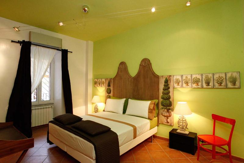 Double Bedroom - Apartment Colosseum - Max 4 Persons with Balcony - Rome - rentals