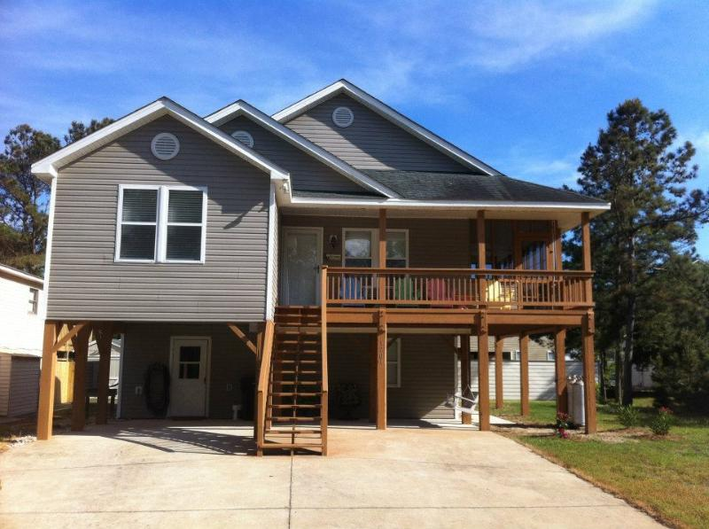 front of house - Beach House for weekly rental -  Sleeps 10, Pool - Kill Devil Hills - rentals