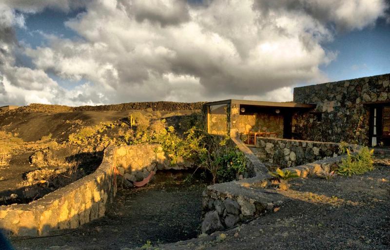 Eco-Casa Bianca, Eco friendly house in Lanzarote - Image 1 - La Vegueta - rentals