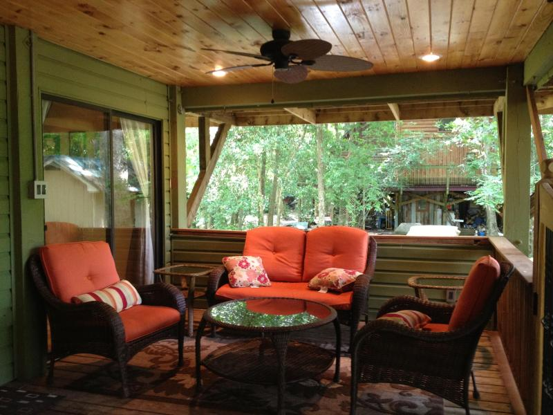 Kick back and watch the river or just the surrounding nature. - Beautiful Cottage by The Cape Fear River - Elizabethtown - rentals