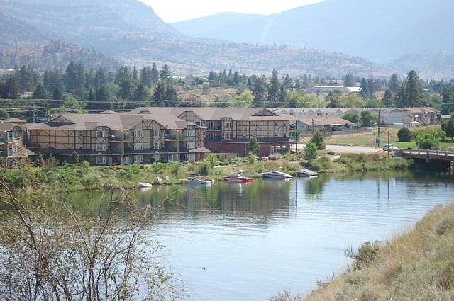 Okanagan Falls, BC - Okanagan Falls Condo Rental View and Walk to Skaha Lake Beach in BC Canada - Okanagan Falls - rentals