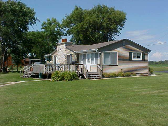 Waterside View - 3 Bdrm, 2 Bath home on Lake Winnebago - Wisconsin - Chilton - rentals