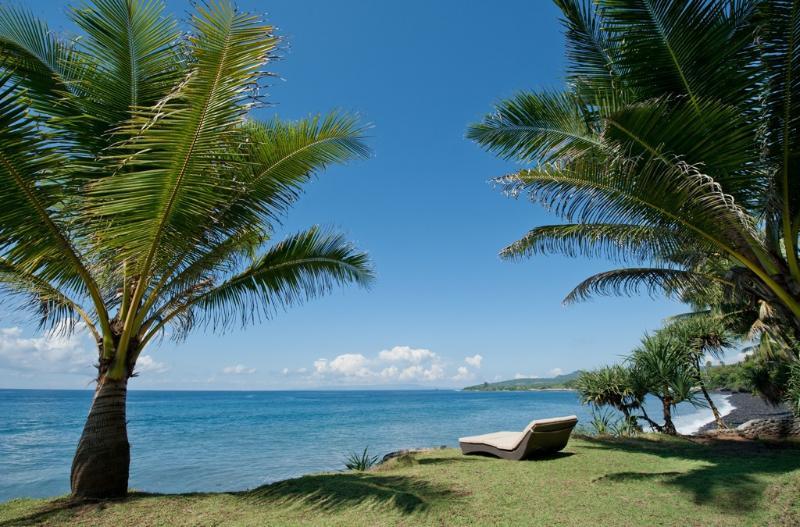 Private Beachfront Land - Villa Flow, Room with a View, Seraya, Candidasa - Karangasem - rentals