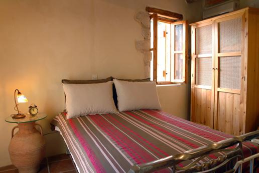 Beautiful traditional house IRINI ''Neo petrino'' - Image 1 - Vafes - rentals