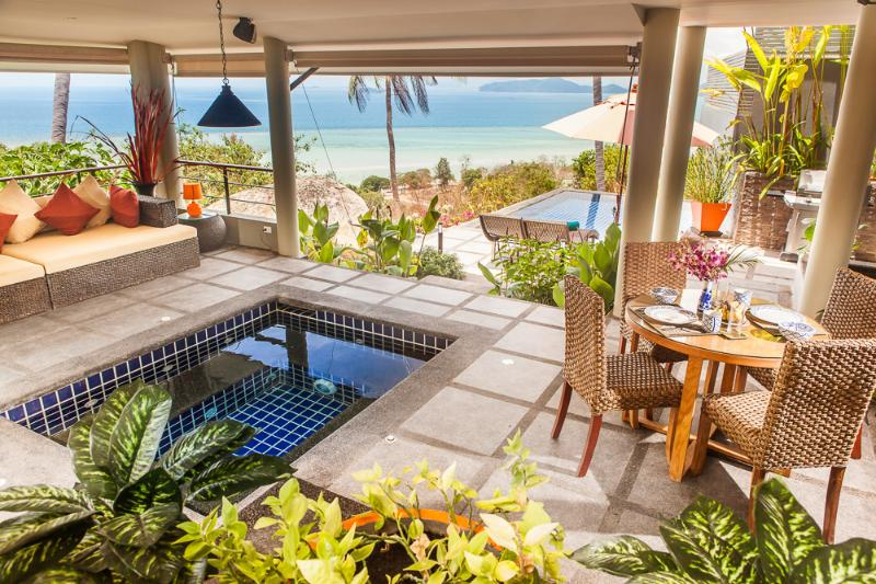 Enjoy the jacuzzi within the surrounding beautiful nature - Romantic & Heavenly One Bed, Ocean View Villa - Koh Samui - rentals