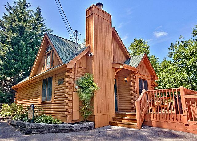Tonto's Tee Pee #123- Outside View of the Cabin - Beautiful One Bedroom Wears Valley Log Cabin with Smoky Mountain Views - Sevierville - rentals