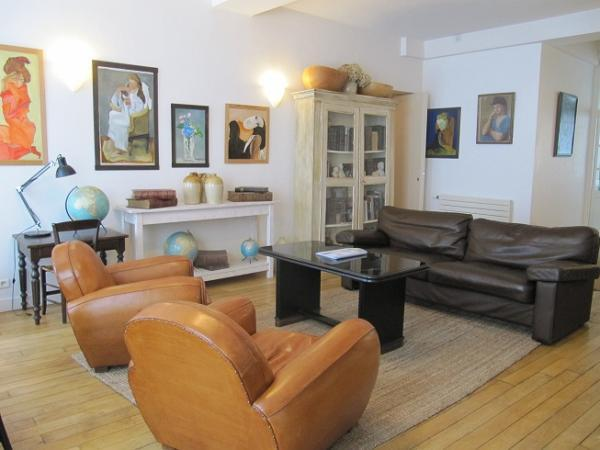 Living Room - Montorgeuil Vacation Rental at Petits Carreaux II - Paris - rentals