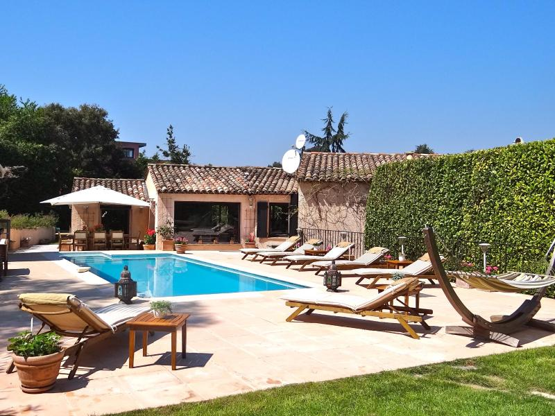 Villa in Super Cannes heated pool and maid - Image 1 - Vallauris - rentals