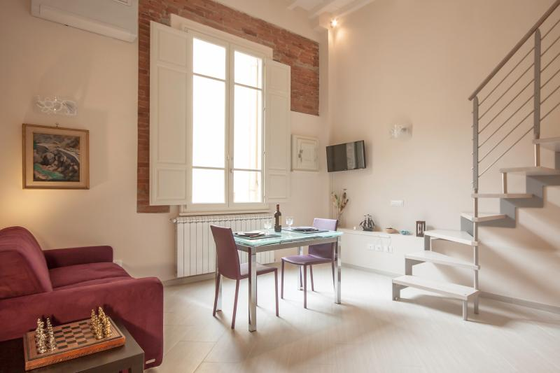Calimaruzza 2 Bedroom Apartment in Florence - Image 1 - Florence - rentals