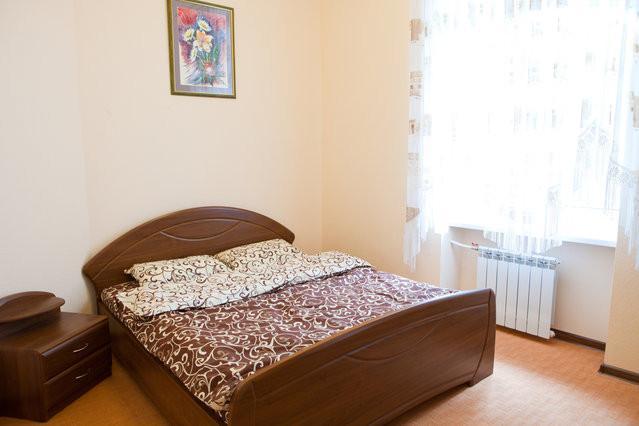 Bedroom 1 - 2 bedroom apartment, HEART OF KIEV - Kiev - rentals