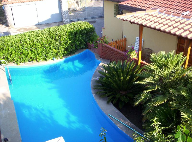 Nice three bedrooms apartment with pool, sea view - Image 1 - Sant'Agata sui Due Golfi - rentals