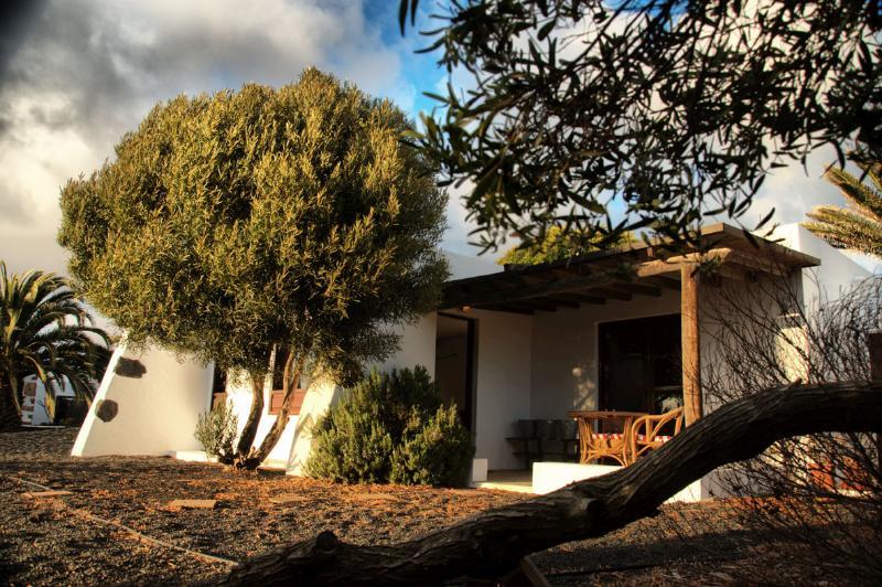 Los Divisos, pequeña casa de campo en Teguise - Image 1 - Teguise - rentals