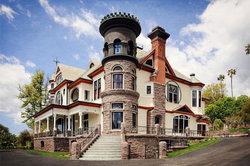 Facade - Newhall Mansion - Ojai - rentals