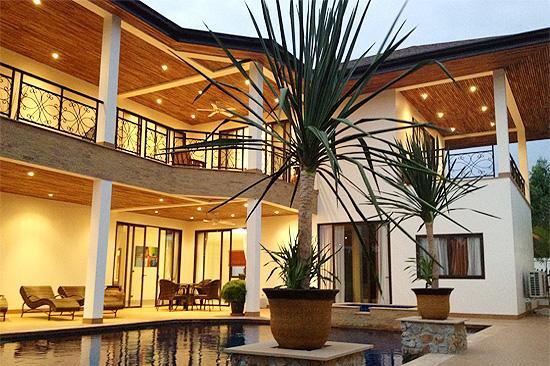 Dreamy Pool Villa with Lake, Pool and Jacuzzi! - Image 1 - Pattaya - rentals