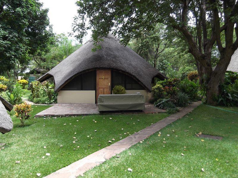 Ndabiri - the place of sharing - Ndabiri No.4 - Victoria Falls - rentals