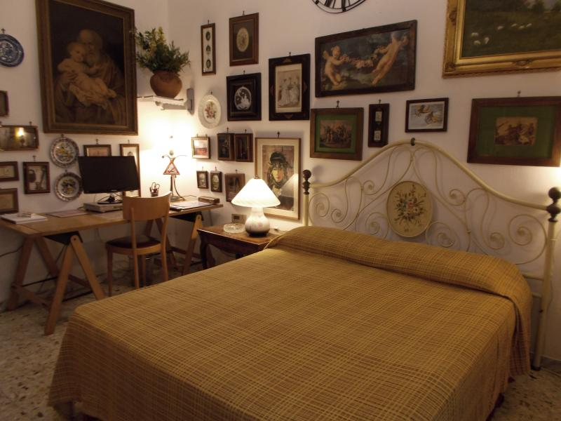 double bedroom - Napoli forever holiday apartment - Naples - rentals