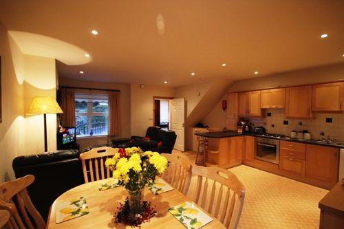No 2 John Darcy Court - FREE WIFI & FREE access to the Leisure centre with pool - Image 1 - Clifden - rentals