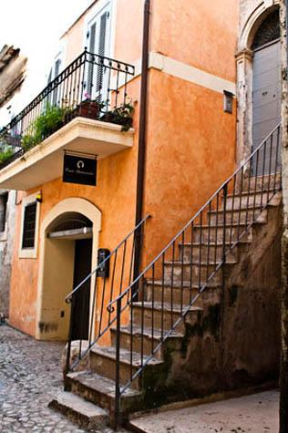 The 1700 building - Casa Pinturicchio B&B - Cori - rentals