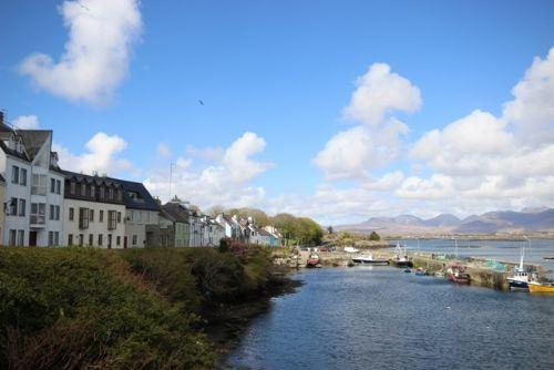 Roundstone Village - Elegant, modern, stunning panaromic views over Roundstone Harbour, sleeps 11 - Image 1 - Roundstone - rentals