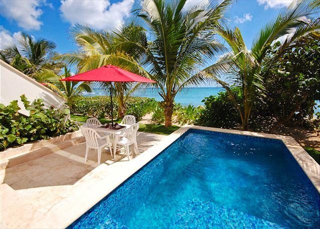 Casa Coral, luxury beachfront condos on Jade Bay, Akumal, Mexico - Brand new luxury beachfront condo with private swimming pool. - Akumal - rentals