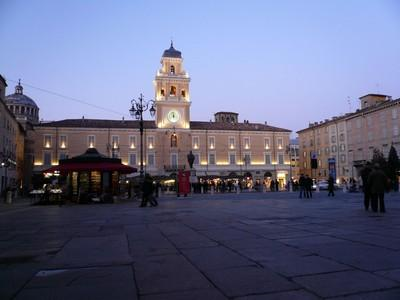parma piazza garibaldi - here is a colored a small apartment all for you! - Parma - rentals