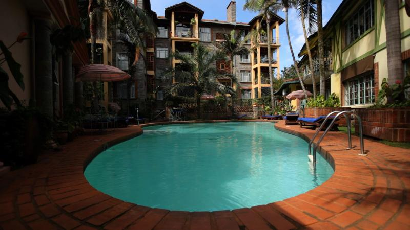 Sparkling 16m Pool with Sunloungers. Bring Your Laptop & Work Outdoors with Our Free WiFi!! - Woodmere Serviced/Furnished Delux Studio Apartment - Nairobi - rentals