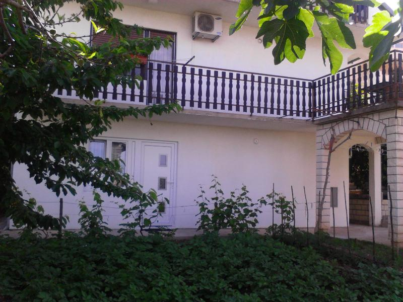 Apartment Divna -Okrug Gornji - Image 1 - Okrug Gornji - rentals