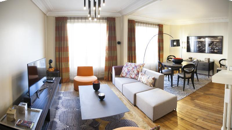 Living Room - Ternes - Renaudes - Paris - rentals