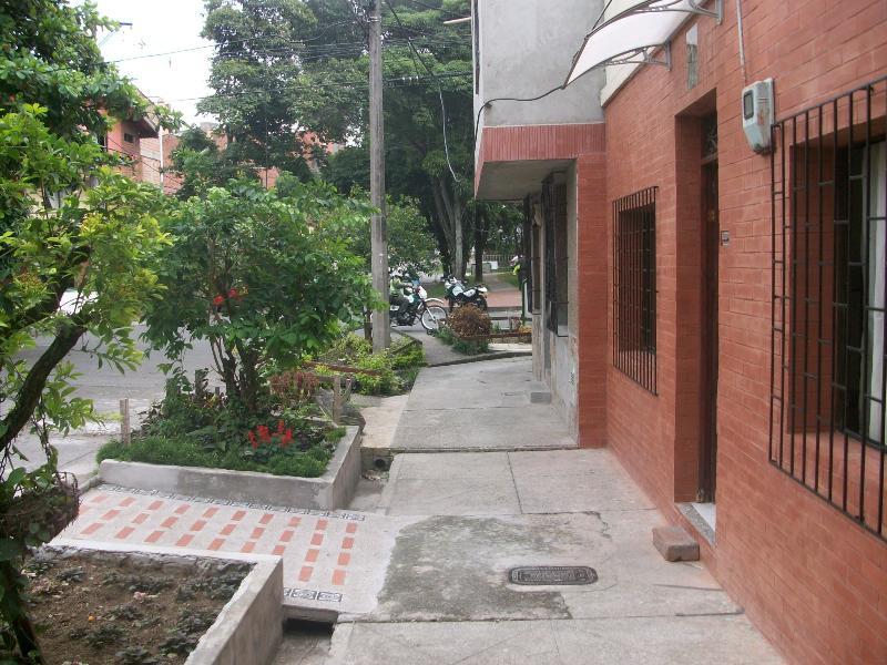 Apartaestudio amoblado -Laureles -Medellin - Image 1 - Medellin - rentals